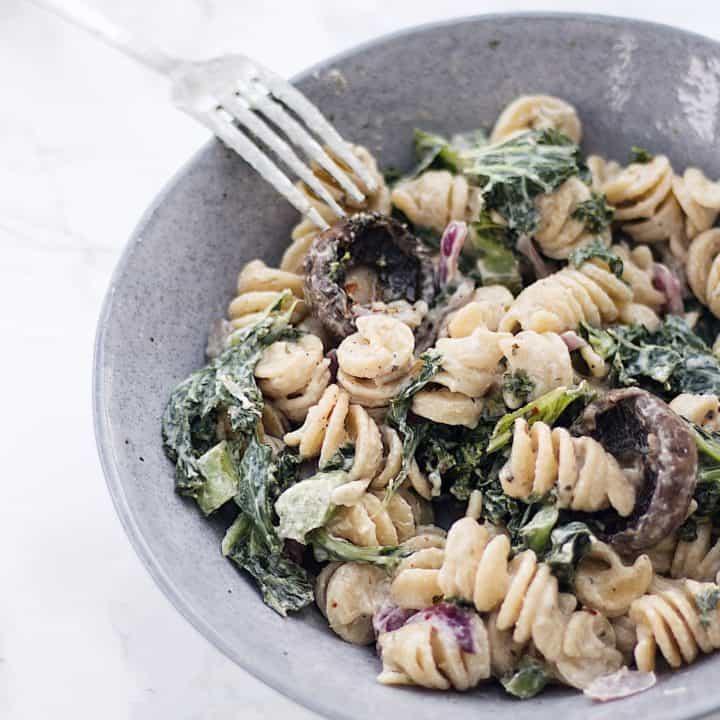 Creamy Kale + White Wine Pasta