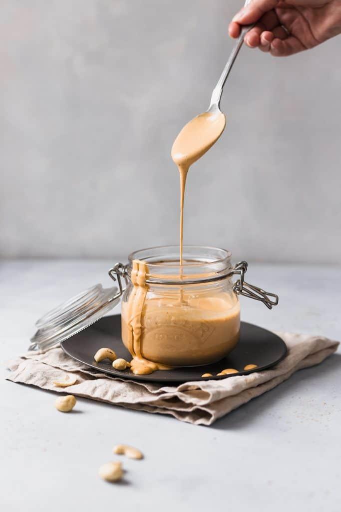 vegan 5 minute cashew cheese sauce