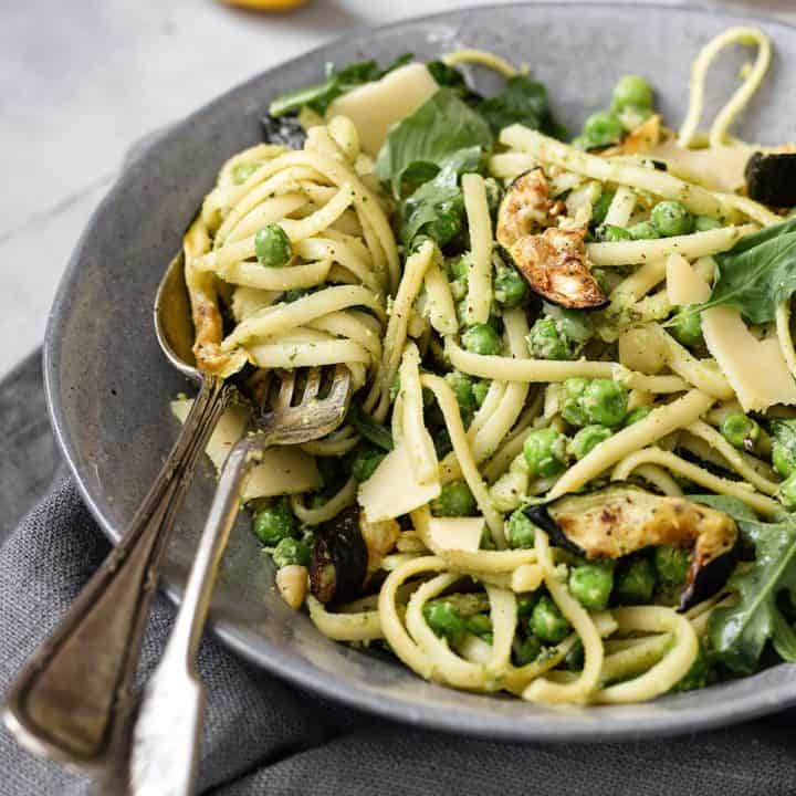 vegan easy pesto pasta
