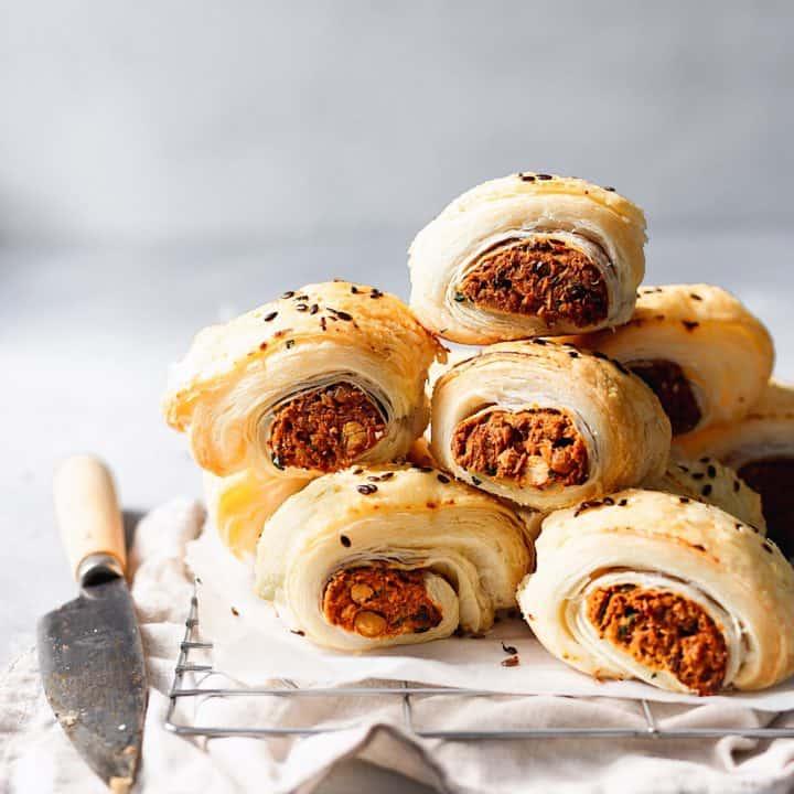 Vegan Sweet Potato & Chickpea Sausage Rolls #vegansausagerolls