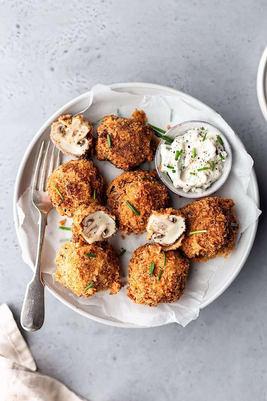 Vegan Crispy Garlic Fried Mushrooms #vegan #recipe #mushrooms