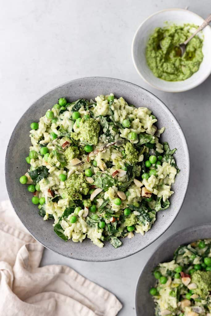 Vegan Spring Greens, Leek, Pea and Pesto Risotto #vegan #recipe #risotto