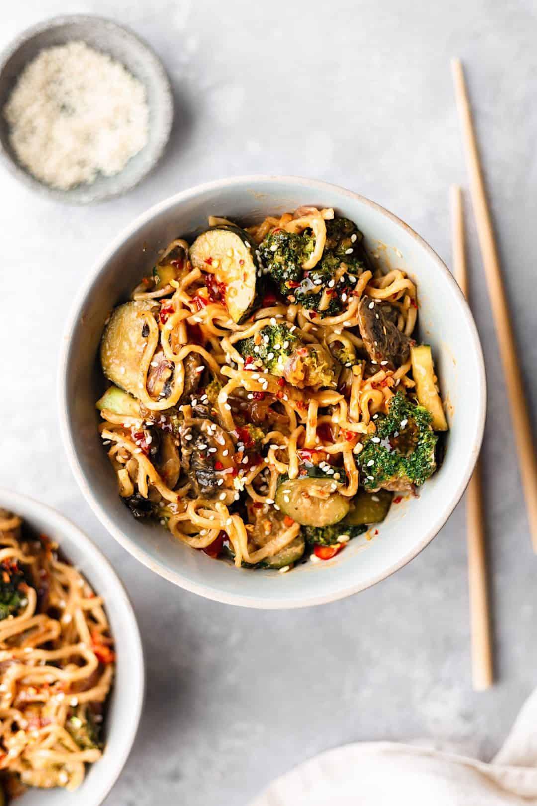 Vegan Spicy Sweet Chilli Noodles #vegan #recipe #noodles