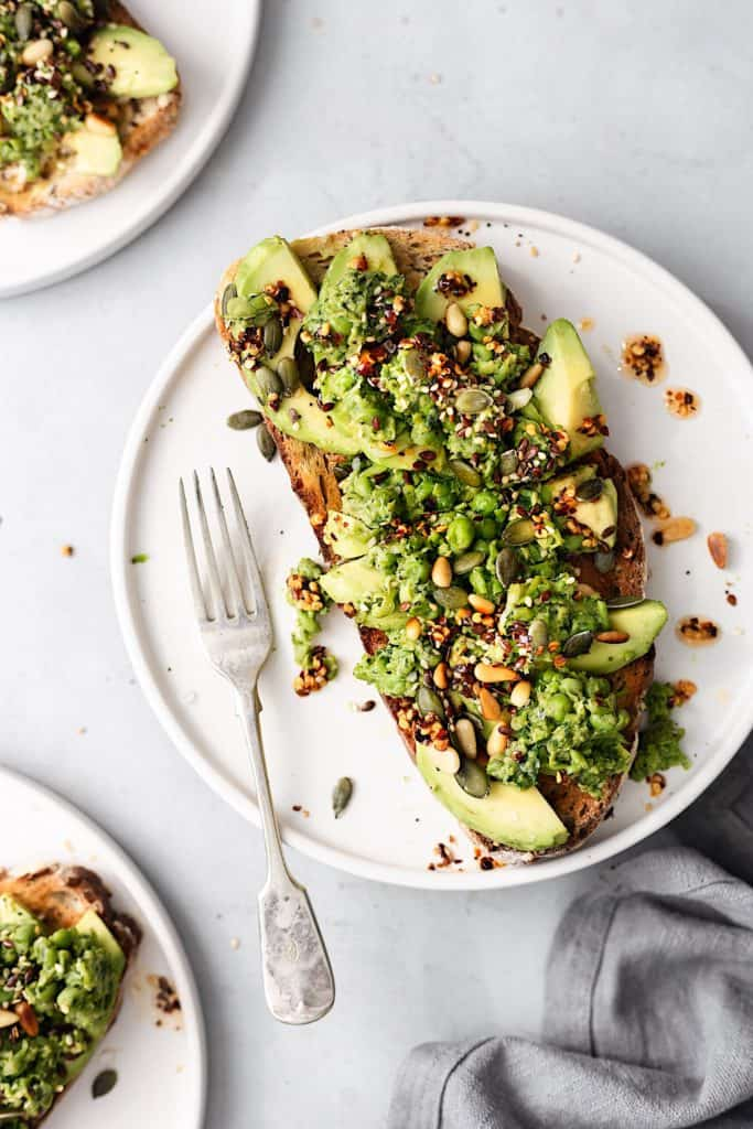 Smashed Peas and Avocado on Toast #vegan #recipe #breakfast #avocado