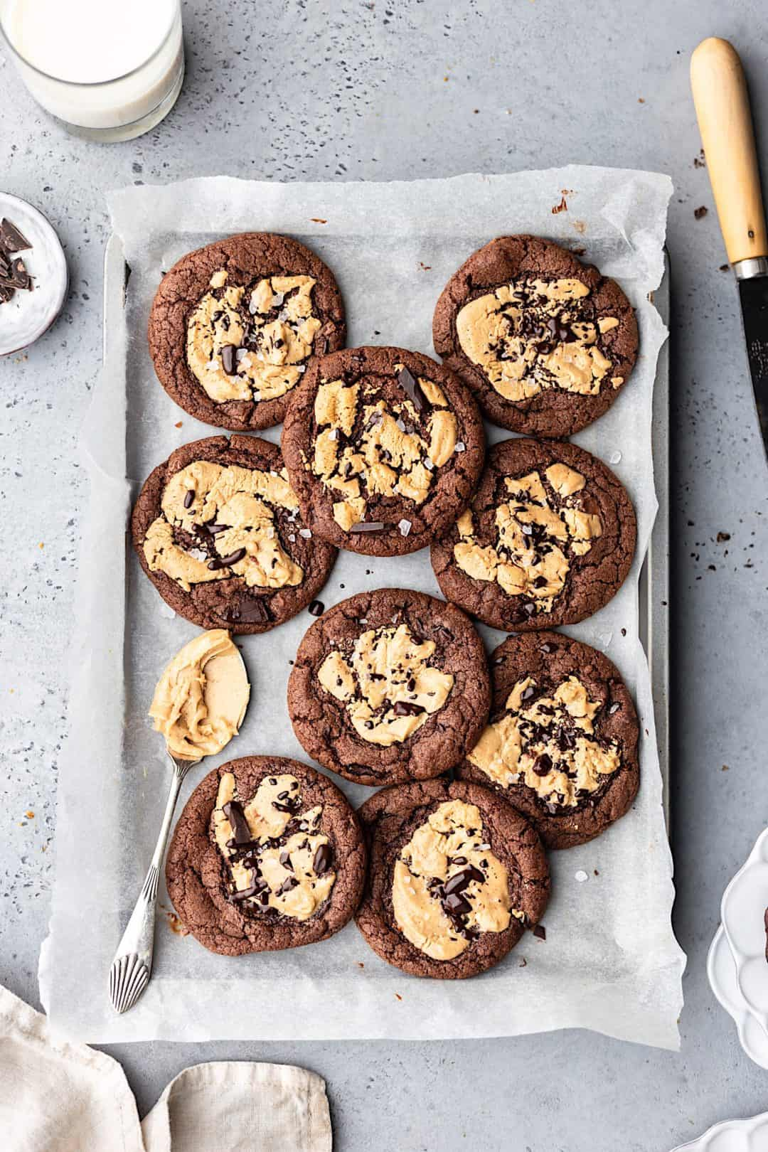 Vegan Chocolate Peanut Butter Cookies #recipe #vegan #cookies #peanutbutter #chocolate