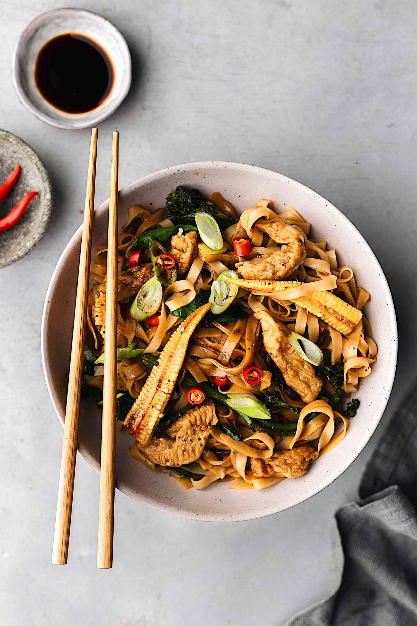 Vegan Thai Drunken Noodles Pad Kee Mao #recipe #vegan #thai #noodles