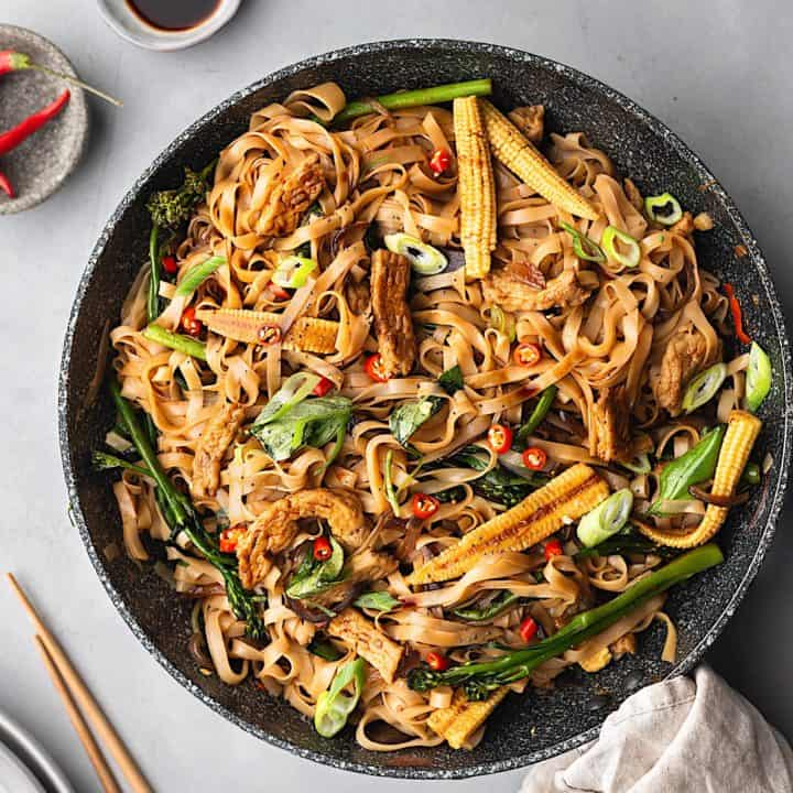 Vegan Thai Drunken Noodles Pad Kee Mao #vegan #thai #recipe #noodles