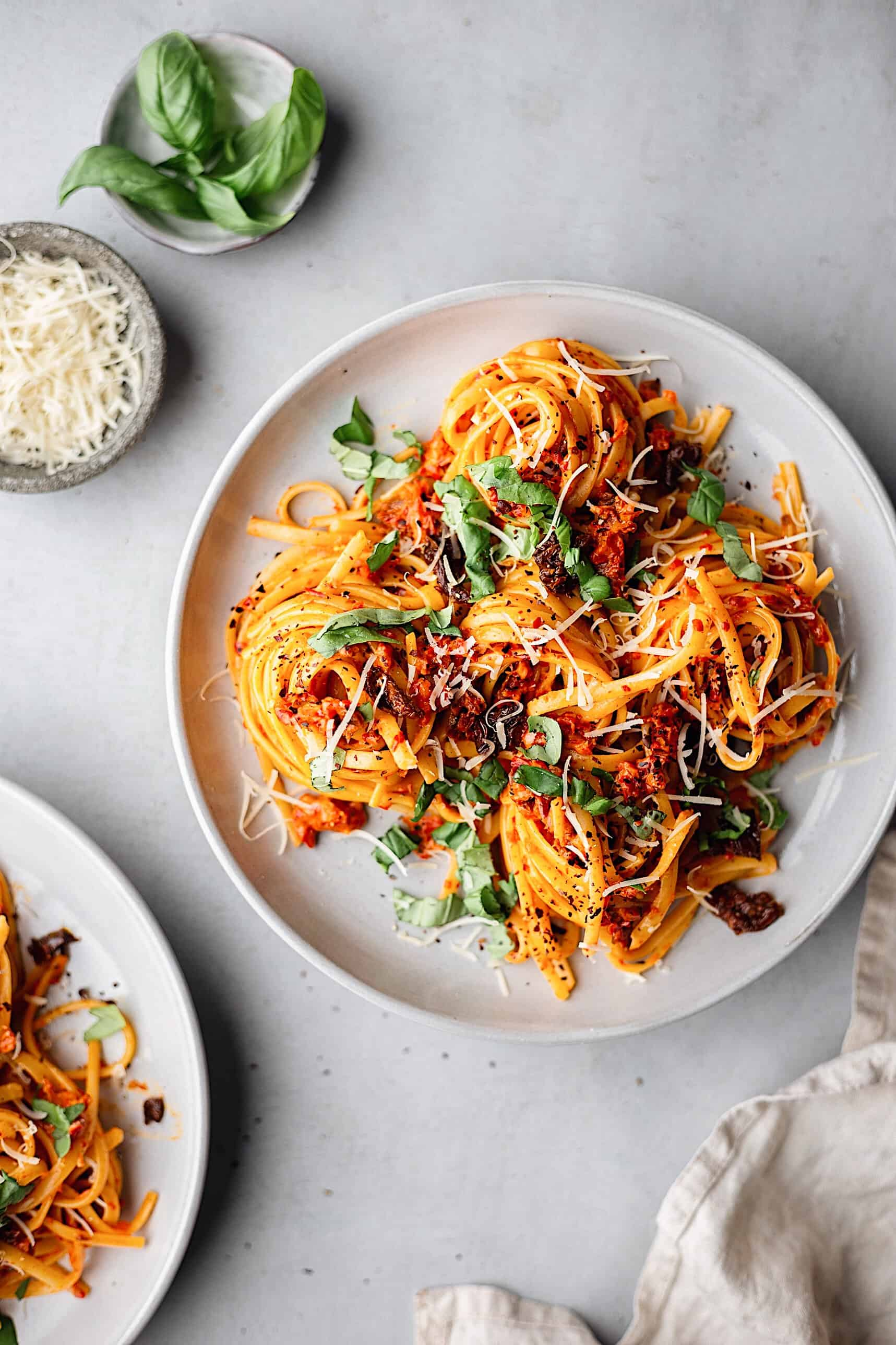 Vegan Roasted Red Pepper Pasta #vegan #recipe #pasta #redpepper