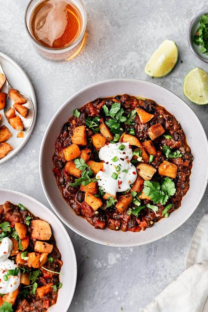 Black Bean Chipotle Chili with Roasted Sweet Potato #vegan #chili #blackbean #mexican #sweetpotato #recipe
