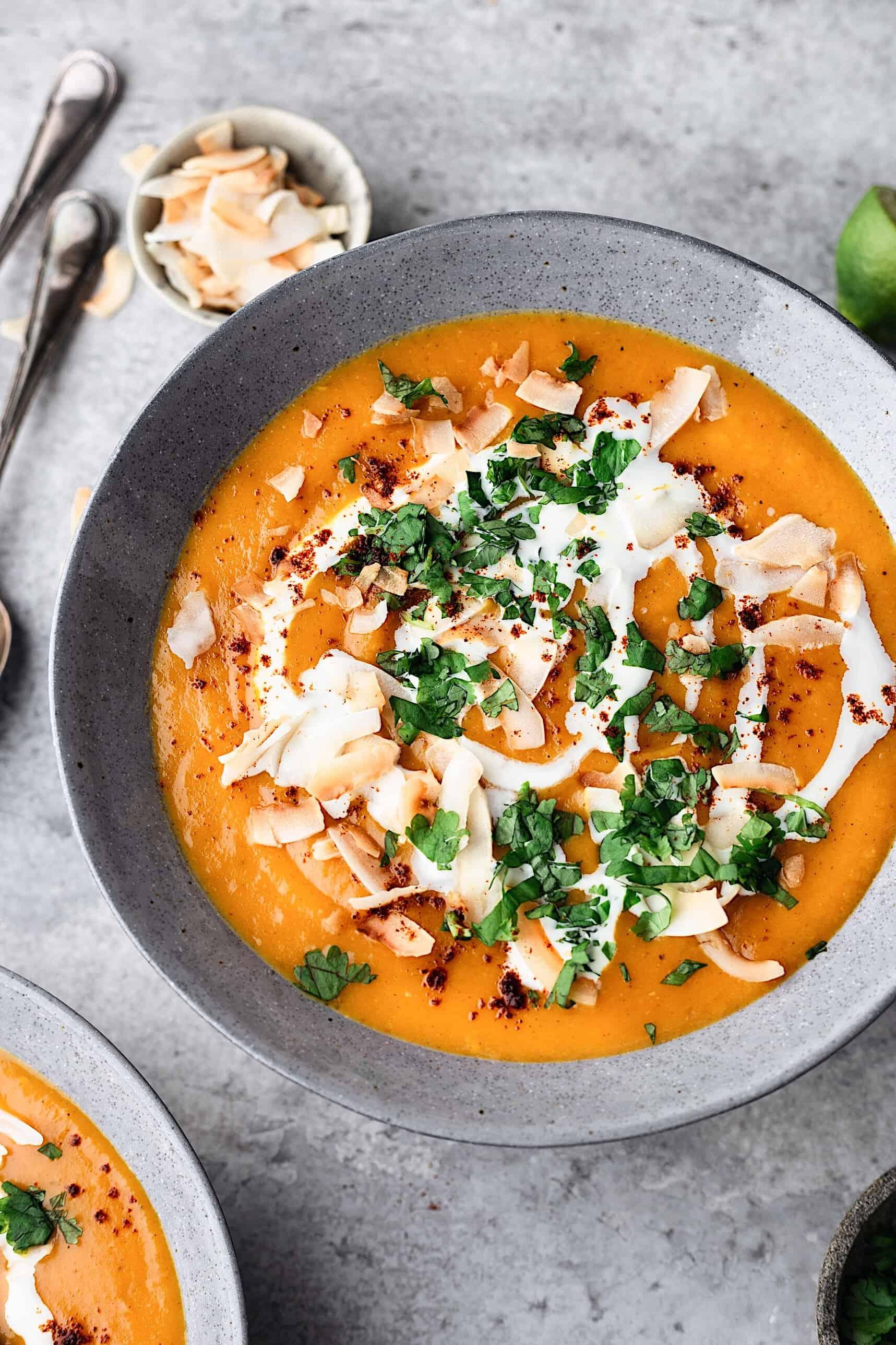Curried Sweet Potato Coconut Soup #soup #vegan #recipe #sweetpotato #fall #autumn #coconut #curry #spice
