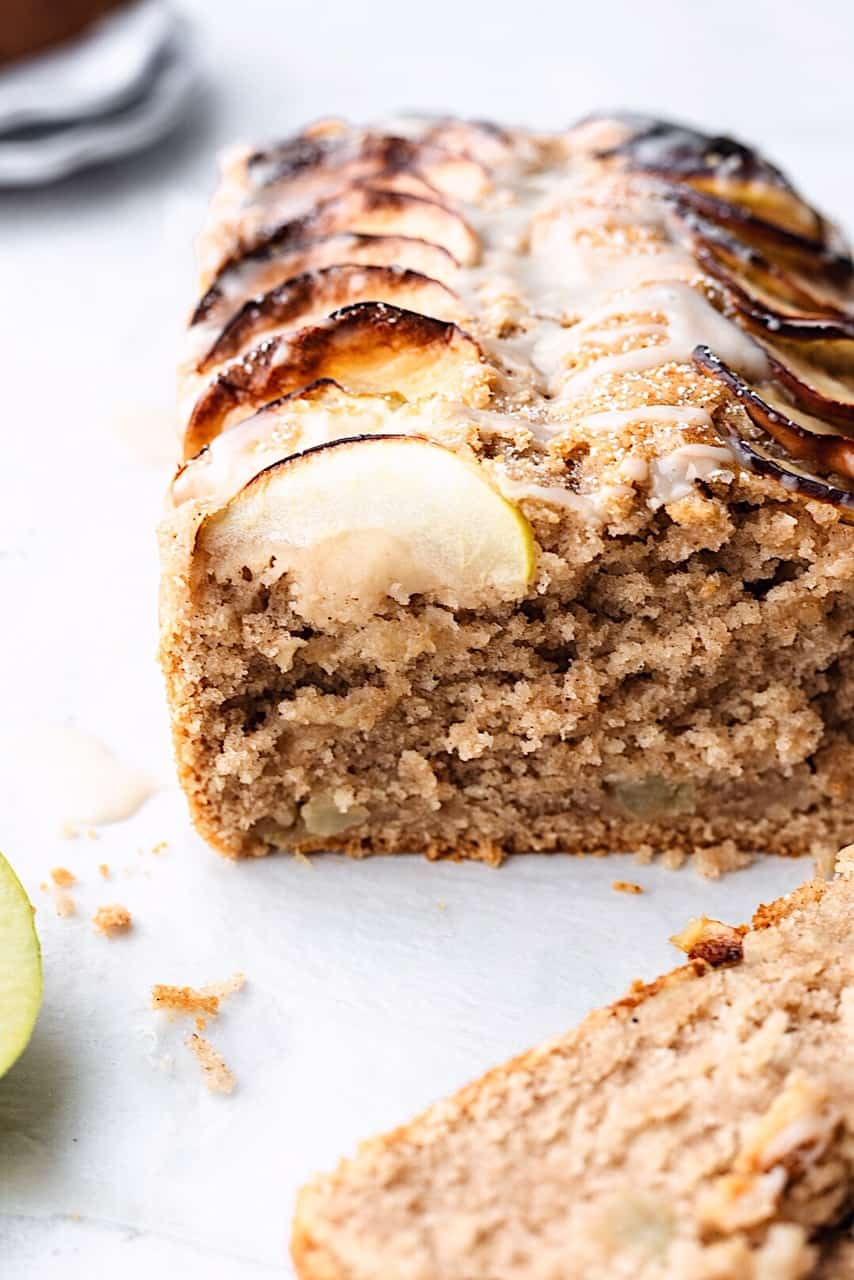 Vegan Cinnamon Apple Loaf Cake #cake #vegan #apple #recipe #fall #baking #applecake