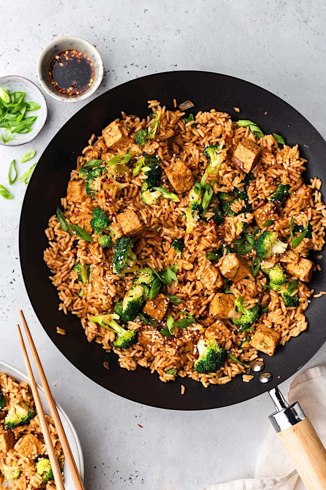 Vegan Tempeh Fried Rice in Wok #recipe #vegan #friedrice #chinese #tempeh #broccoli