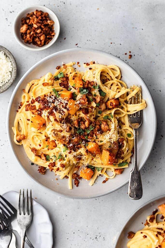 Vegan Creamy Butternut Pasta with Sausage Crumbles #vegan #butternut #squash #pasta #creamy #sausage #dairyfree #recipe #dinner