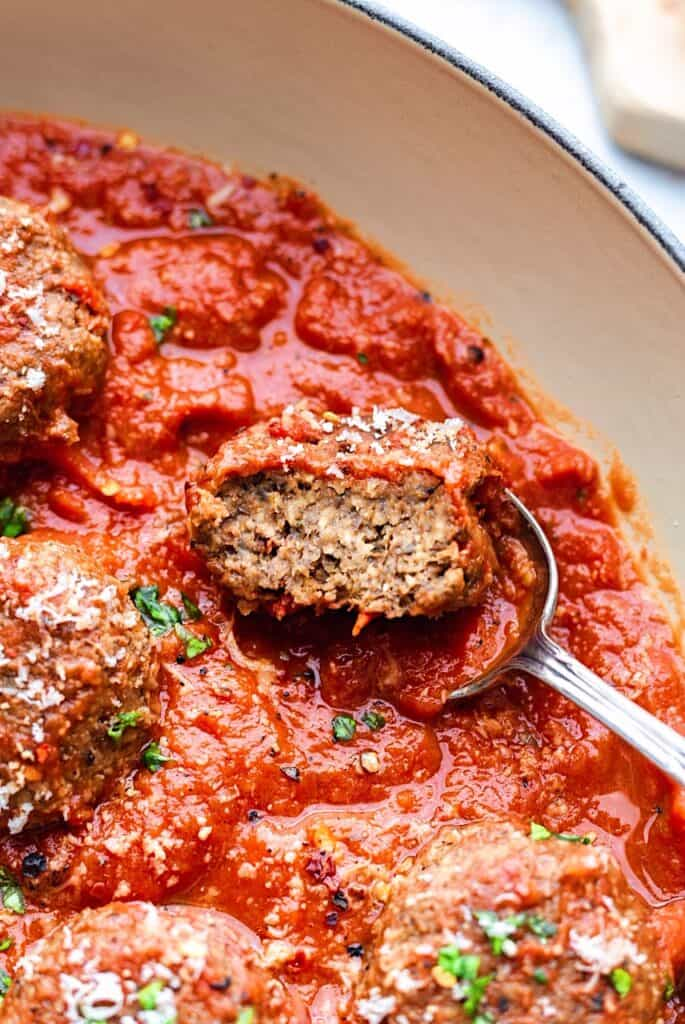 Vegan Meatballs and Marinara Sauce #vegan #meatballs #lentil #mushroom #pasta #healthy