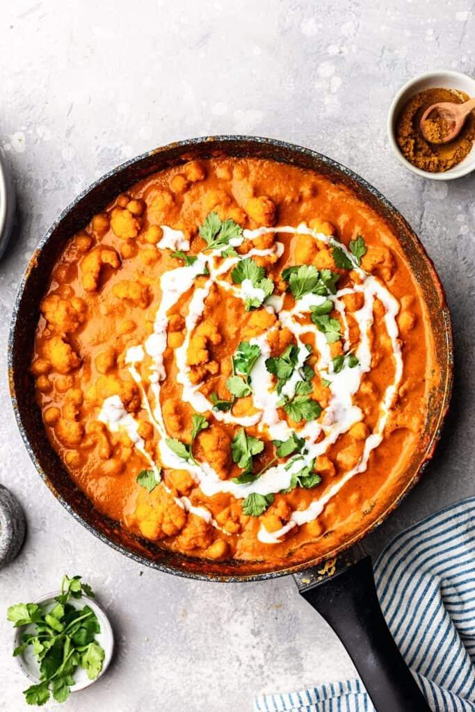 Vegan Cauliflower and Chickpea Curry #curry #cauliflower #chickpea #creamy #healthy #indianfood