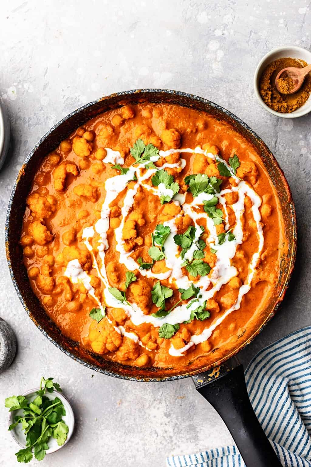 Vegan Cauliflower and Chickpea Curry #curry #cauliflower #chickpea #creamy #healthy #indianfood