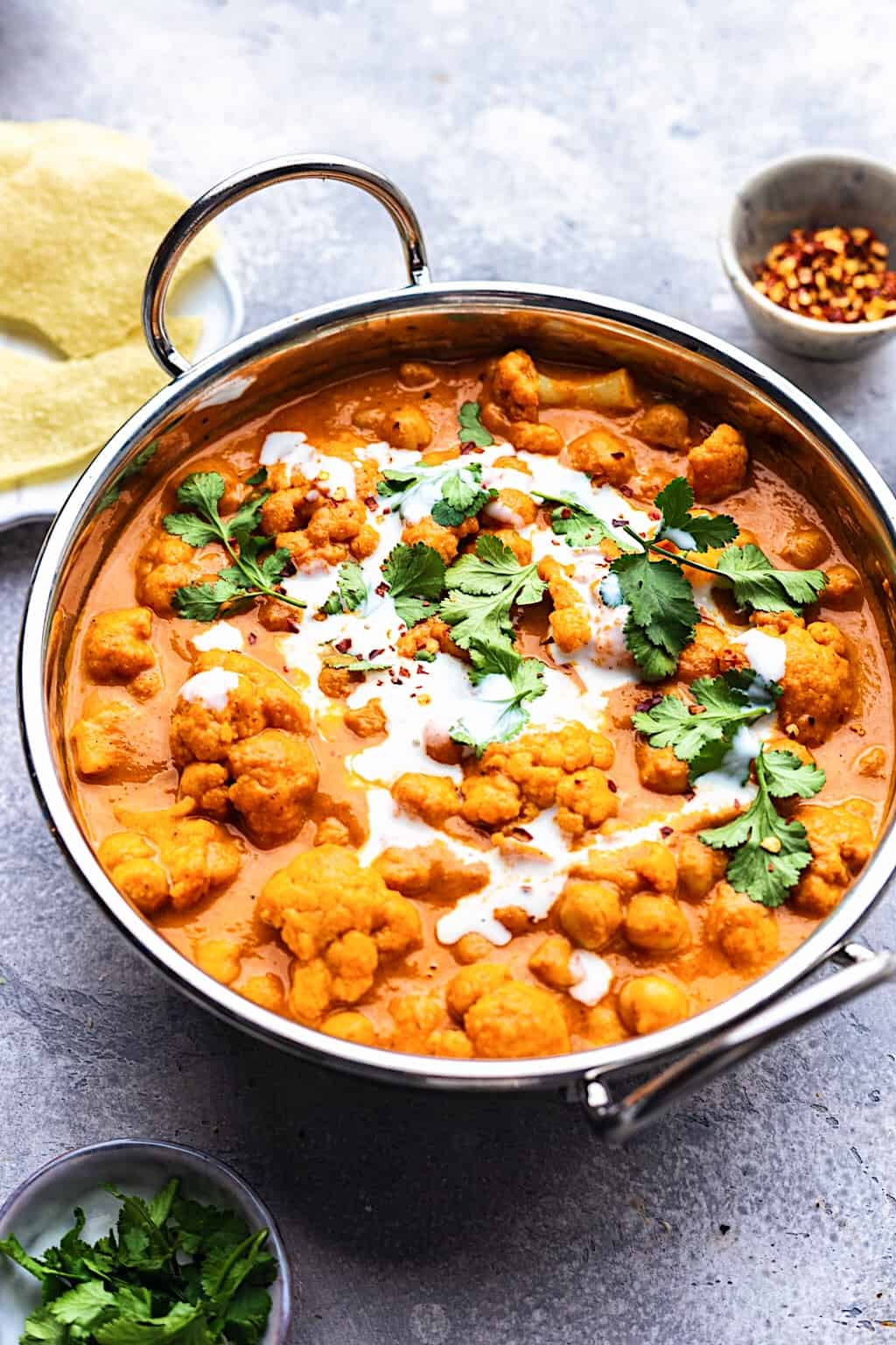 Vegan Cauliflower and Chickpea Curry #curry #cauliflower #chickpea #vegan #healthy #creamy