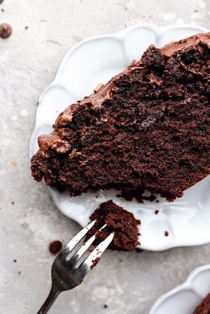 Vegan Double Chocolate Chip Cake Slice #chocolate #cake #vegan #recipe #dairyfree #chocolatechip