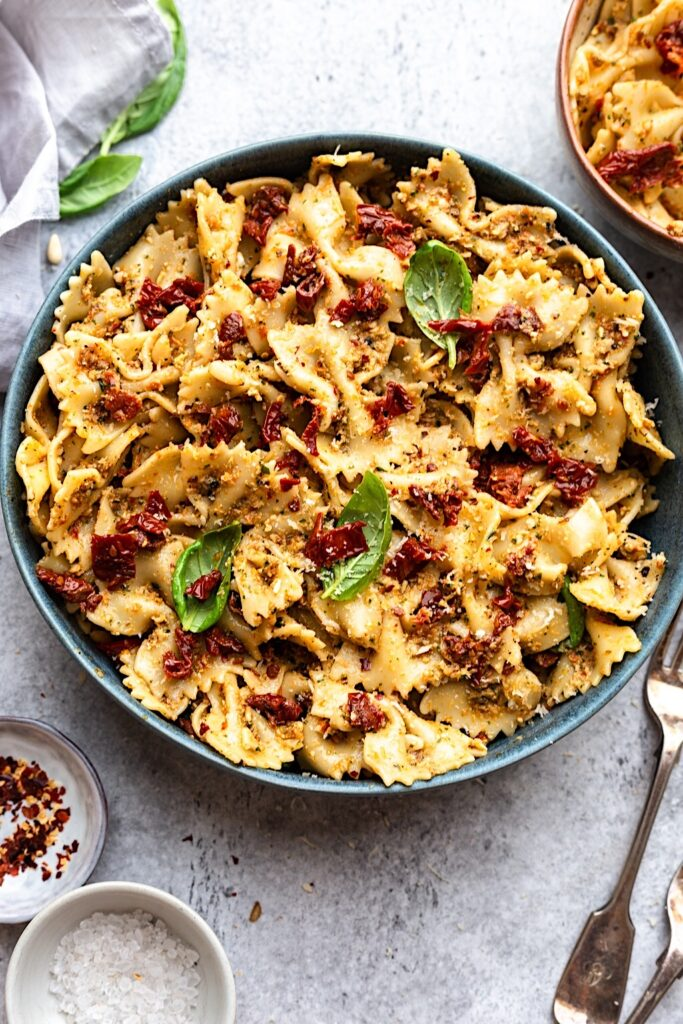 Vegan Sun Dried Tomato Pesto Pasta Salad #pasta #recipe #food #vegan #salad #tomato #dairyfree