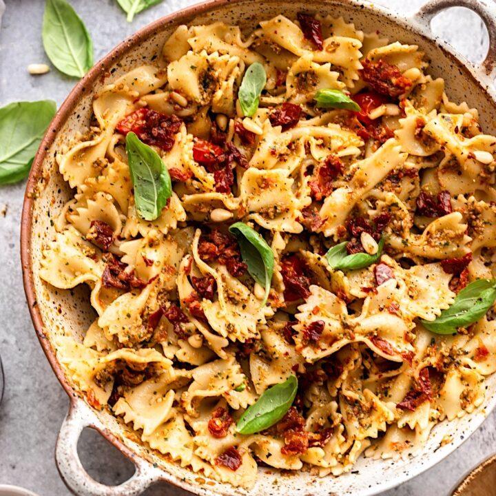 Vegan Sun Dried Tomato Pesto Pasta Salad #pasta #recipe #food #vegan #salad #tomato #dairyfree