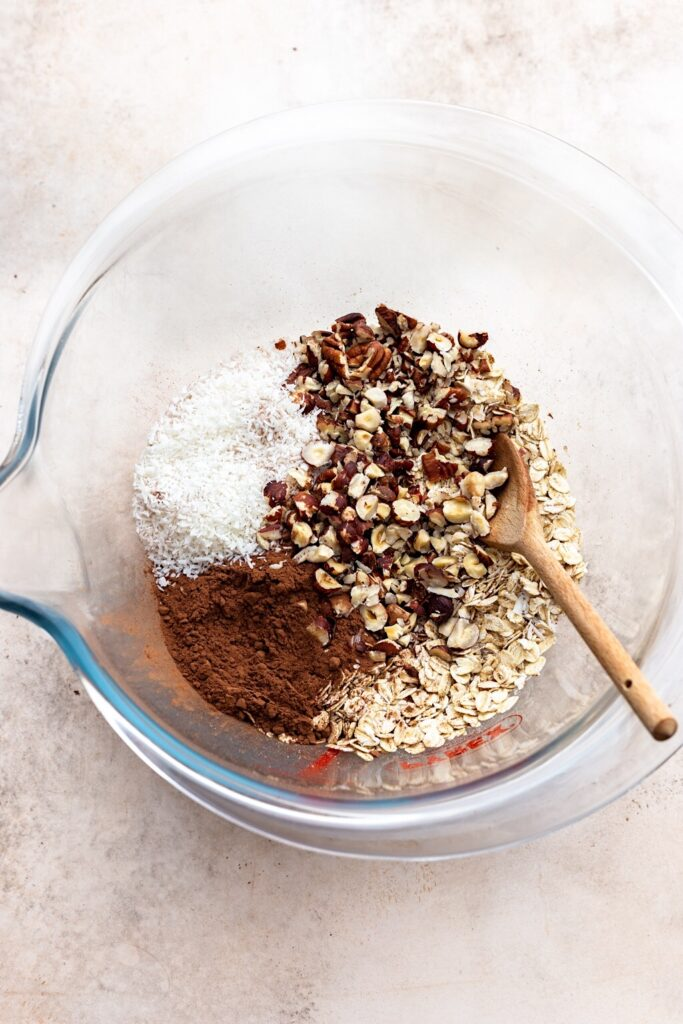 Vegan Chocolate Chip Granola Ingredients