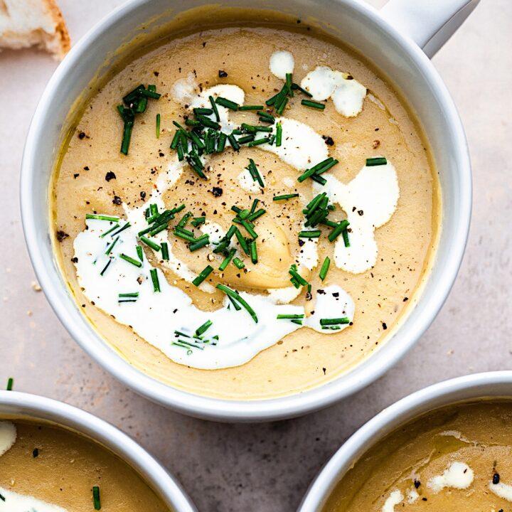 Vegan Leek and Potato Soup #soup #leek #potato #vegan #autumn #winter #plantbased #dairyfree