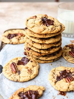 Vegan Maple Pecan Cookies #cookies #maplesyrup #pecan #vegan #dairyfree #christmas #recipe