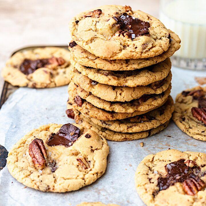 Vegan Maple Pecan Cookies #cookies #maplesyrup #pecan #vegan #dairyfree #christmas #recipe