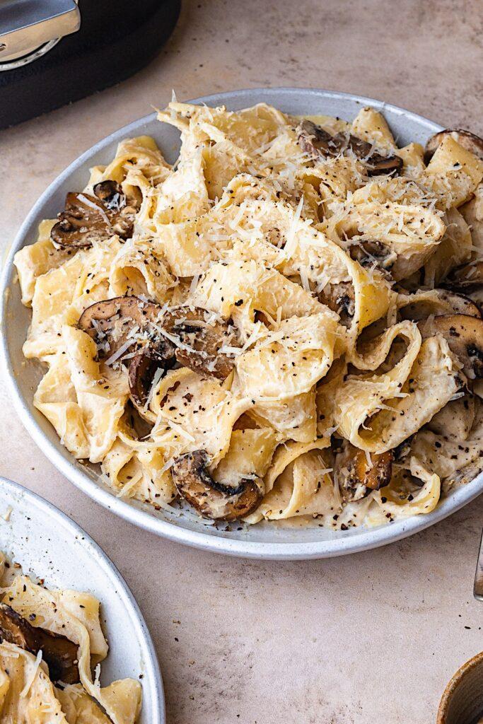 Vegan Alfredo Pasta Sauce #pasta #alfredo #creamy #dairyfree
